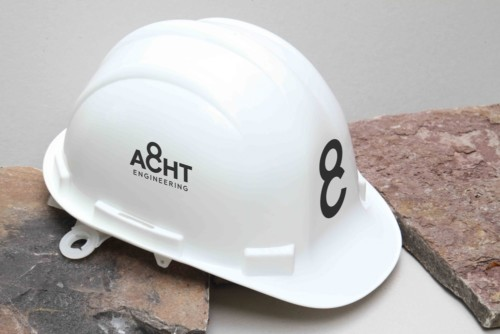 ACHT Helm