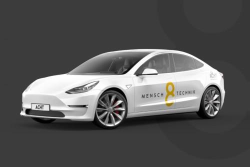 ACHT Tesla